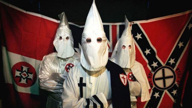 Los supremacistas blancos vuelven a Charlottesville