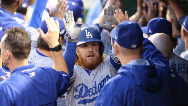 Turner y Dodgers dejan tendidos 3-1 a Cubs y Lackey en el juego 2 de la NLCS