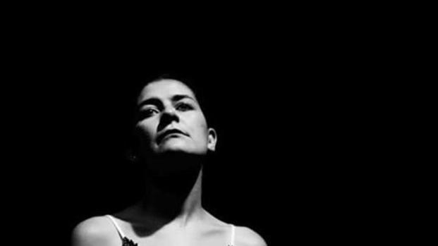 HEDDA: unipersonal de Tania Mayrén