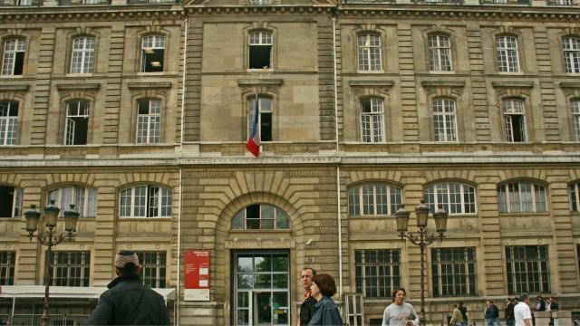 Paris : la police s'en prend aux tricycles touristiques