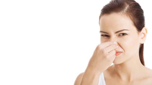 Descubra métodos para eliminar o mau cheiro nas regiões íntimas.