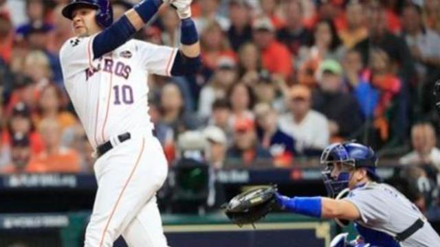Los Astros se llevan el tercero con bate de Gurriel y relevo enorme de Peacock