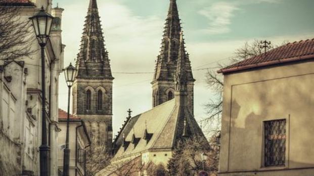 Massacre nos EUA: homem armado com AR-15 entra em Igreja e mata 26 pessoas