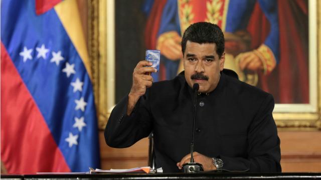 Rusia tiende la mano (una vez más) al presidente Nicolás Maduro