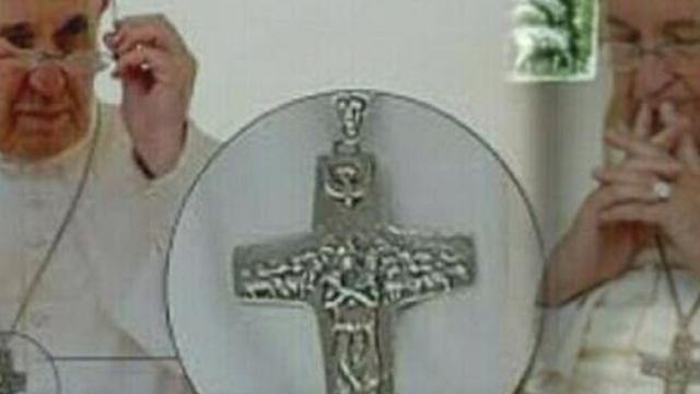 O Papa Francisco tem uma cruz polêmica; relembre como ele adquiriu