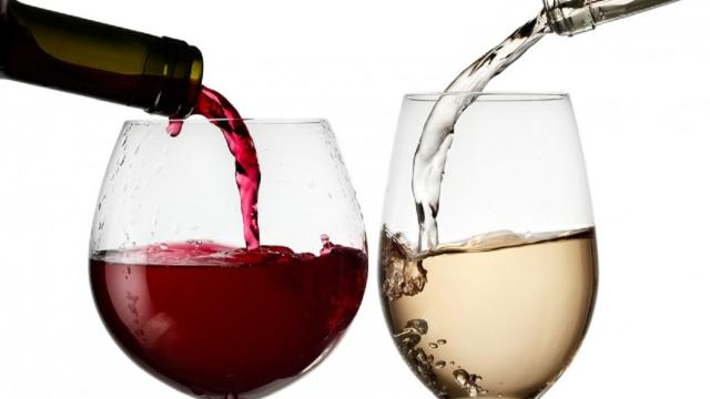 Video: Birra, vino, superalcolici: ecco come l'alcol cambia l'umore