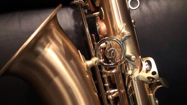 Saxofonistas buscan crear conciencia sobre los feminicidios en Puebla