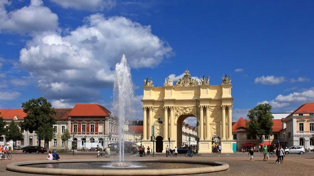 Pacco sospetto a Potsdam: torna l'incubo del terrorismo