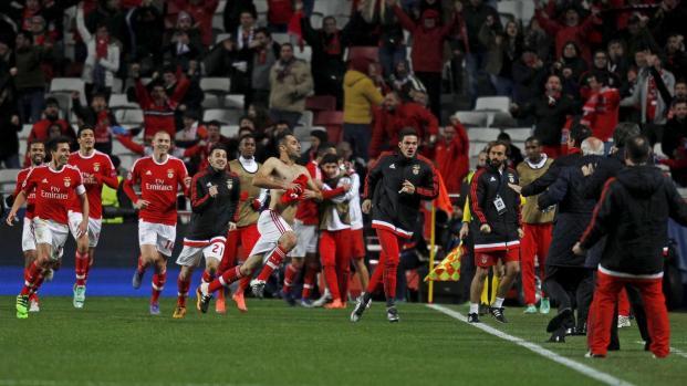 Assista: Corinthians busca substituto de Arana na Europa