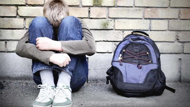Rimini, 13enne sodomizzato e picchiato da tre bulli