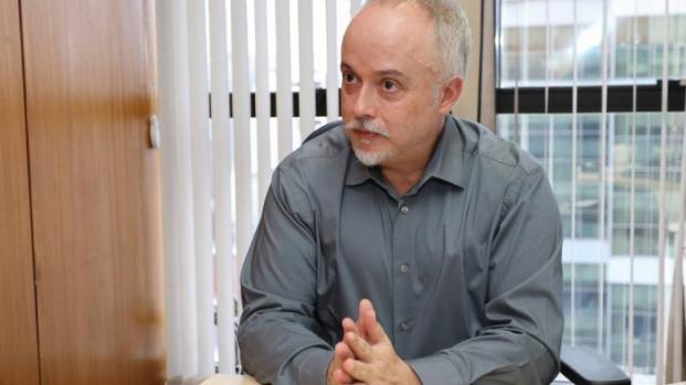 Vídeo: Procurador prevê mês de prisão de Lula e militares já esboçam planos.