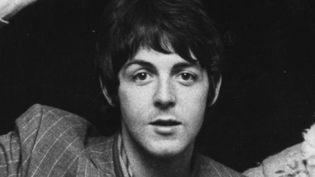 Escucha la playlist navideña de Paul McCartney