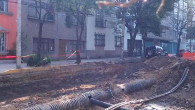 El misterio de los cables suspendidos por toda la ciudad
