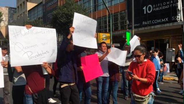 Alumnos del CEU PART cerraron vialidad para exigir que no cierren su escuela