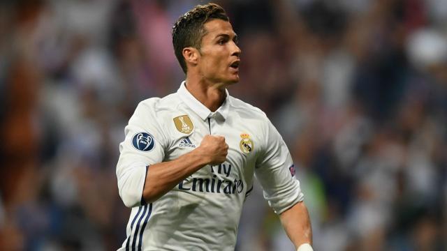 Cristiano Ronaldo entrena dos días antes de El Clásico