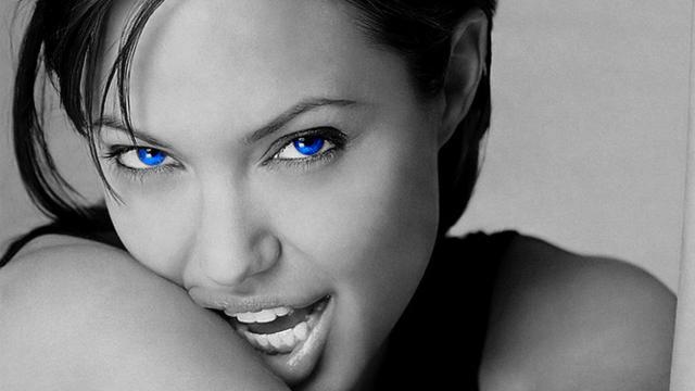Angelina Jolie eligió Target para comprar regalos de Navidad