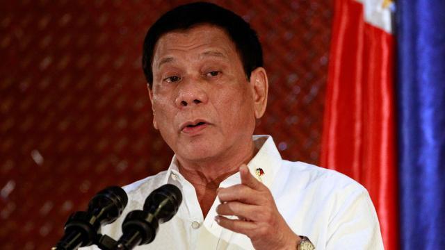 Duterte sugiere la cremación de víctimas de incendios
