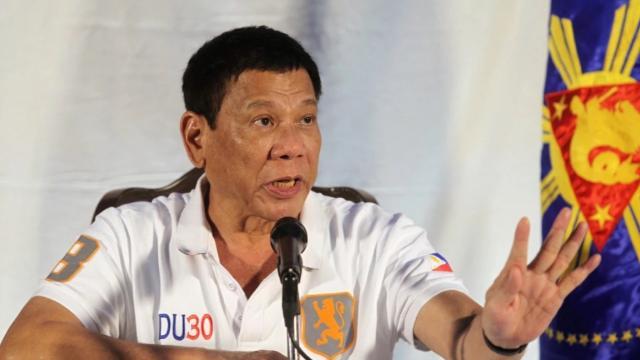 Duterte veta a los jinetes que eluden la Constitución en el presupuesto de 2018