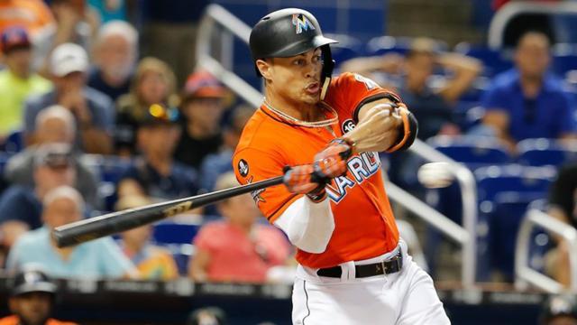 MLB: el serio Giancarlo Stanton cambia los rumores a dos equipos por Marlins