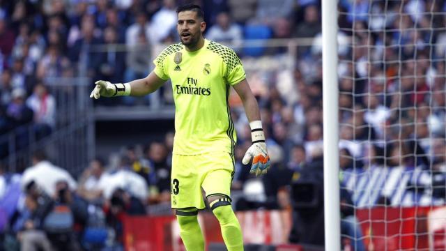 Kiko Casillas haciendo esperar al Deportivo por su decisión