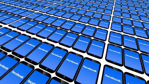 Facebook nuoce alla salute? Lo dicono gli esperti, ecco i sintomi