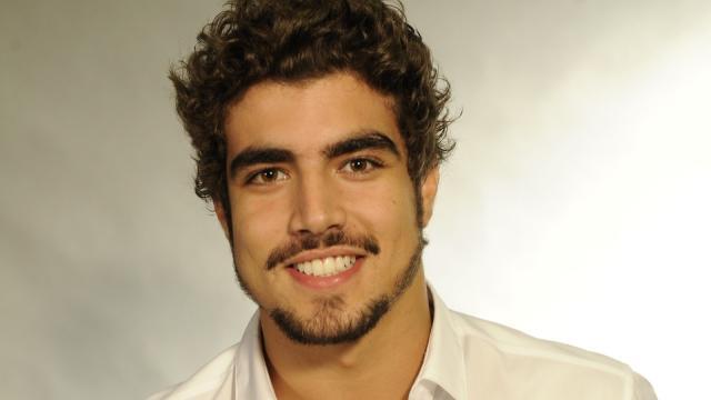 Vídeo: Caio Castro mostra o caminho da felicidade