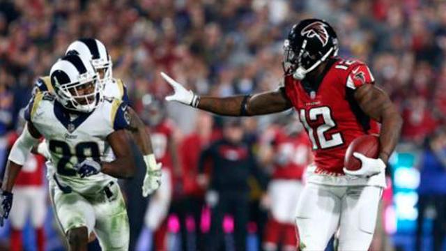 Los Falcons le ganan a los Rams con su fórmula de defensiva y ataque terrestre