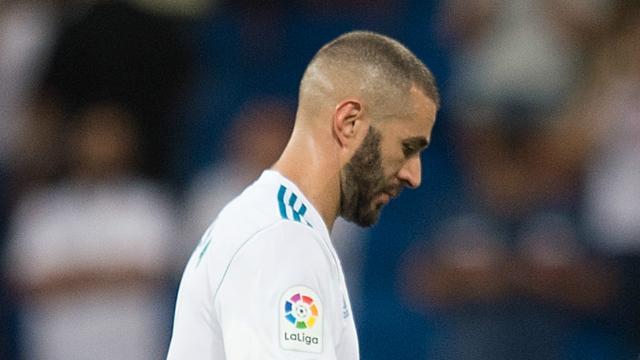 Benzema vuelve trabajando con la pelota y cerca de regresar
