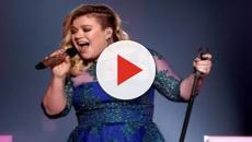 Kelly Clarkson explains that she spanks her children