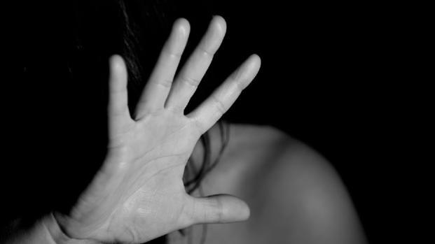 Un 68enne di Macerata rinviato a giudizio per violenza su una minorenne disabile