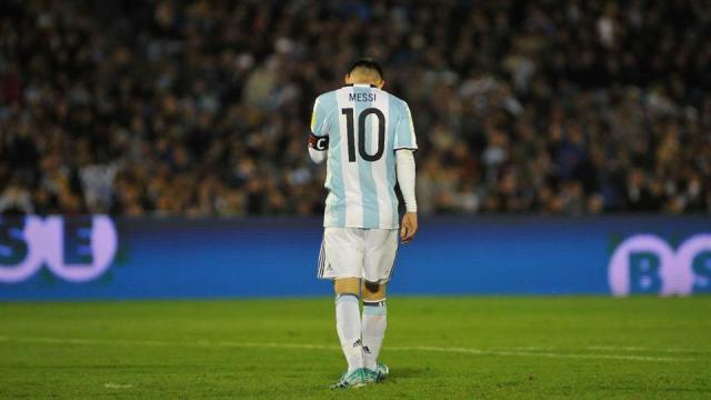 Rakitic: No creo que Messi esté nervioso por Croacia