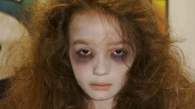 Lembra da 'Menina Fantasma' da pegadinha do Silvio Santos? Ela virou um mulherão