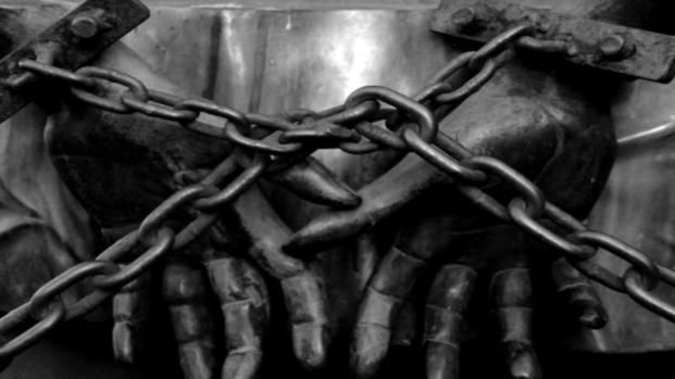 India: domestica di 14 torturata da una dentista