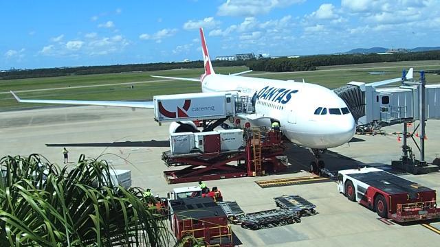 El aeropuerto de Brisbane: servicios aéreos no limpió la espuma tóxica