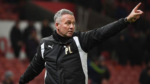 Stoke lucha designa a Lambert : Premier League