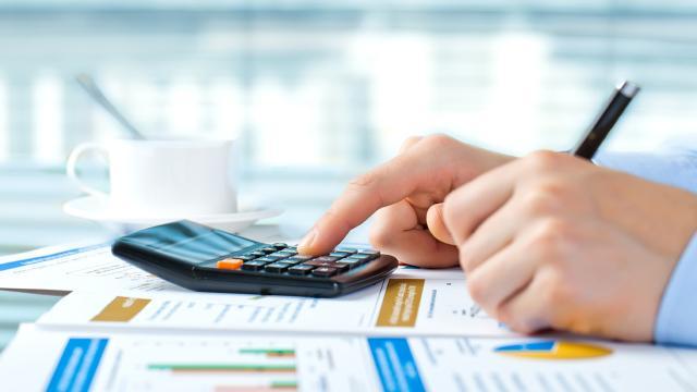 ¿Cómo las pequeñas empresas pueden frenar los gastos diarios?