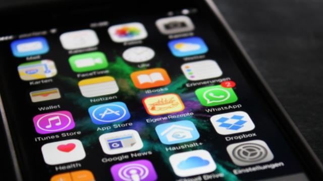 Assista: Smartphones facilitaram a comunicação das pessoas nos últimos anos