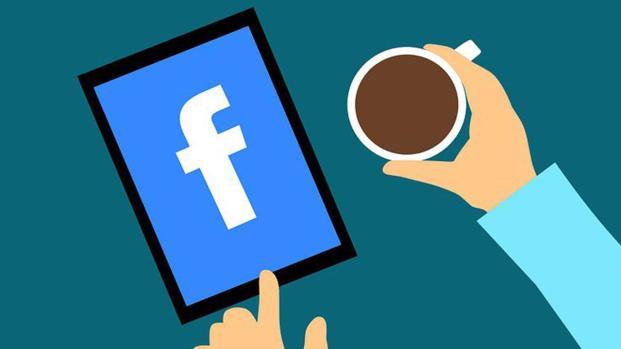 Facebook: lo scarso controllo la chiave del successo, ora preda delle fake news