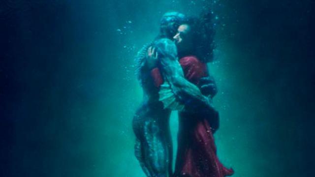 Guillermo del Toro nos hace creer nuevamente en el amor... diferente
