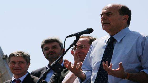 Pensioni, Bersani: 'chi parla di abolire la Fornero fa ridere'