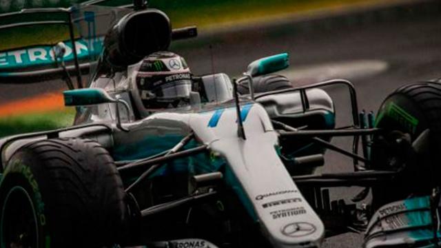 Valtteri Bottas espera mejor rendimiento con Mercedes en 2018