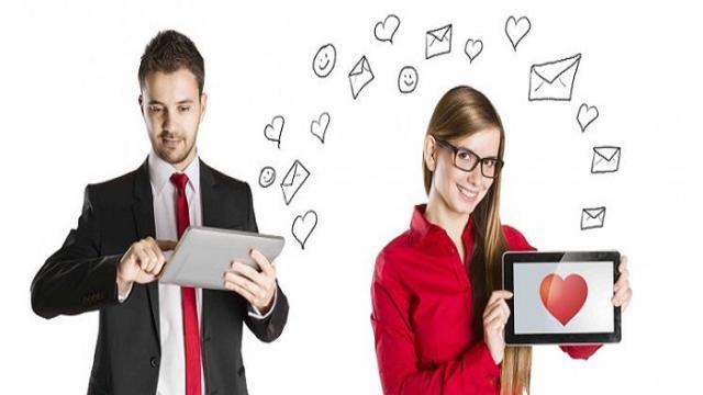 Los teléfonos un aliado para conseguir pareja