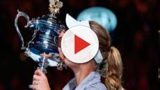 Wozniacki obtiene su redención en el AO con primer Grand Slam en 3 sets vs Halep