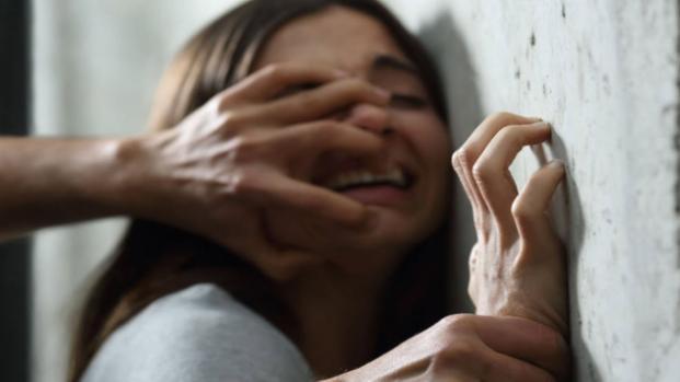 Cristina Sani: 'mi hanno vilentata', ma il ministero di Giustizia dice no