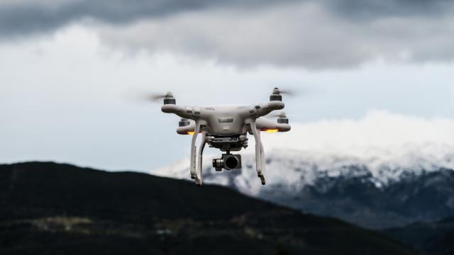 Boeing desarrolla un nuevo quadcopter resistente en tres meses