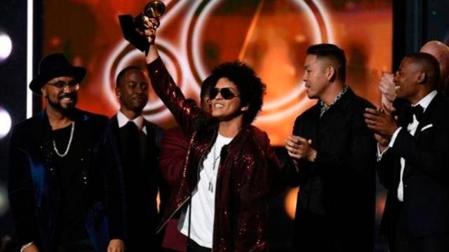 Bruno Mars le ganó al perreo intenso, en los Grammy