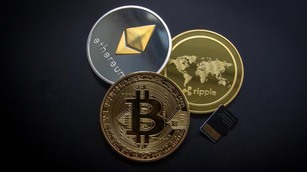 Crollo Bitcoin: scoccati mandati di comparizione per Bitfinex e Tether