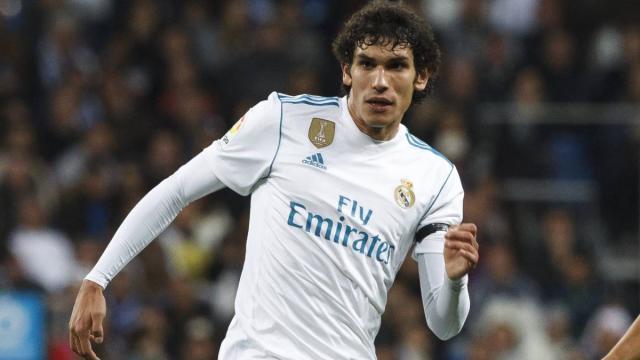 El Real Madrid está sudando por la forma física de Varane, con el PSG encima