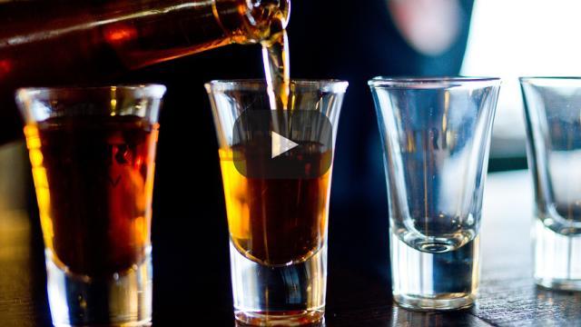 Estudio: ¡Es contraproducente enseñar a beber responsablemente a tus hijos!