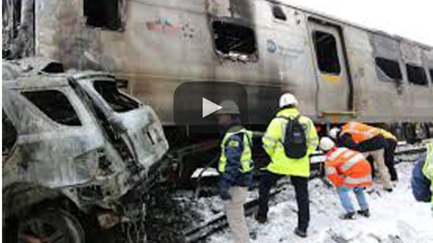Accidente entre un tren y un camión de basura en EU
